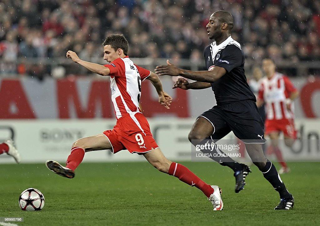 Olympiacos Piraeus Matt Derbyshire tries : News Photo