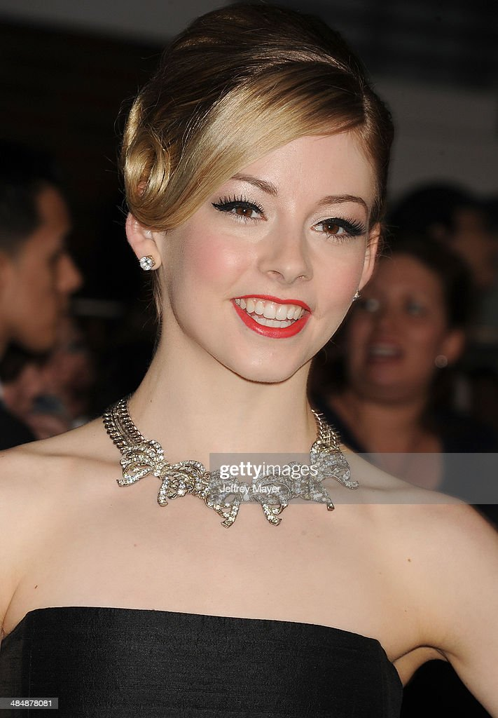 """""""Divergent"""" - Los Angeles Premiere - Arrivals : News Photo"""