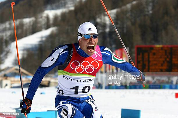 Olympiasieger Giorgio Di Centa ITA re 50 km Langlauf Massenstart Mnner 50 km men cross skiing mass start olympische Winterspiele in Turin 2006...