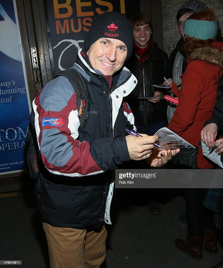 Elvis stojkos debut performance on broadways olympic figure skater elvis stojko outside meet and greet following his debut performance on broadways kristyandbryce Image collections