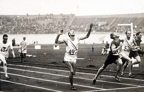 الألعاب الأولمبية ، أمستردام ، حواجز 110 متر رجال ، جنوب أفريقيا S ، J ، M ، أتكينسون يكسر الشريط للفوز بالميدالية الذهبية