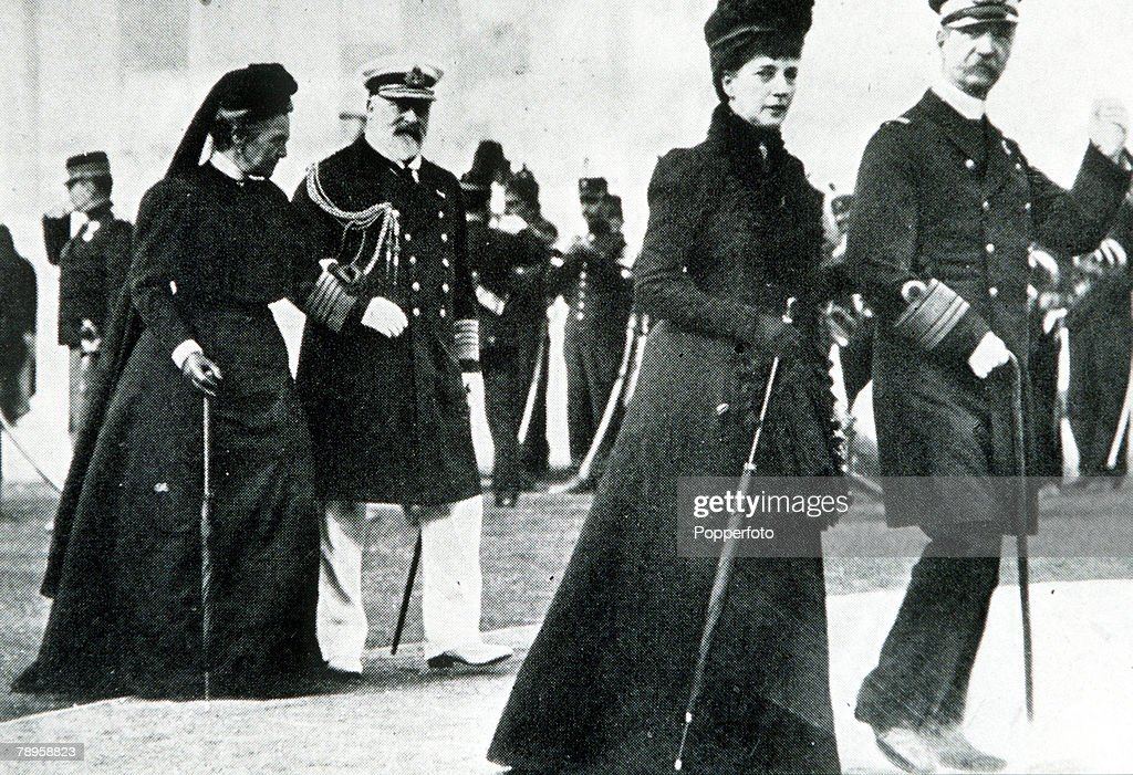 1896 Olympic Games. Athens, Greece. King George of Greece and Princess Alexandra walk in front of the Prince of Wales and Queen Olga. : News Photo