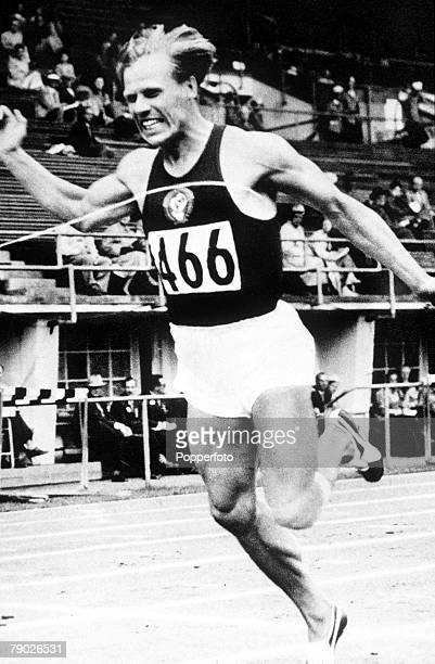 Olympic Games Helsinki Finland Men's 100 Metres Heat USSR's Vladimir Sukharyev in action to win Heat 7