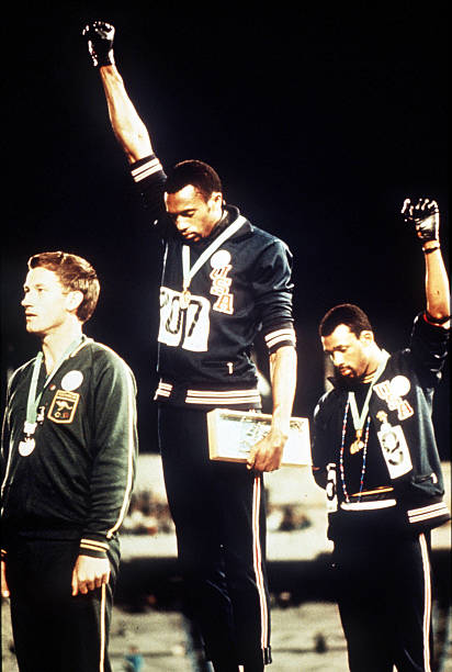 UNS: In The News: 1968 Medalists Smith And Carlos To Enter US Olympic Hall Of Fame