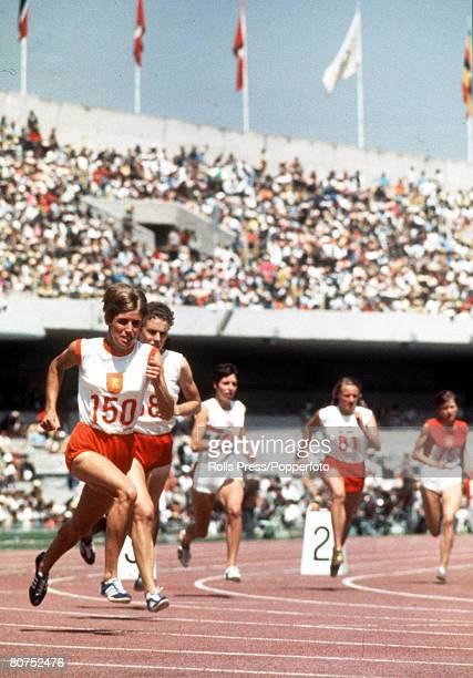 Olympic Games Mexico City Mexico Women's 800 Metres Heat Holland's Ilja Keizer leads in the heat