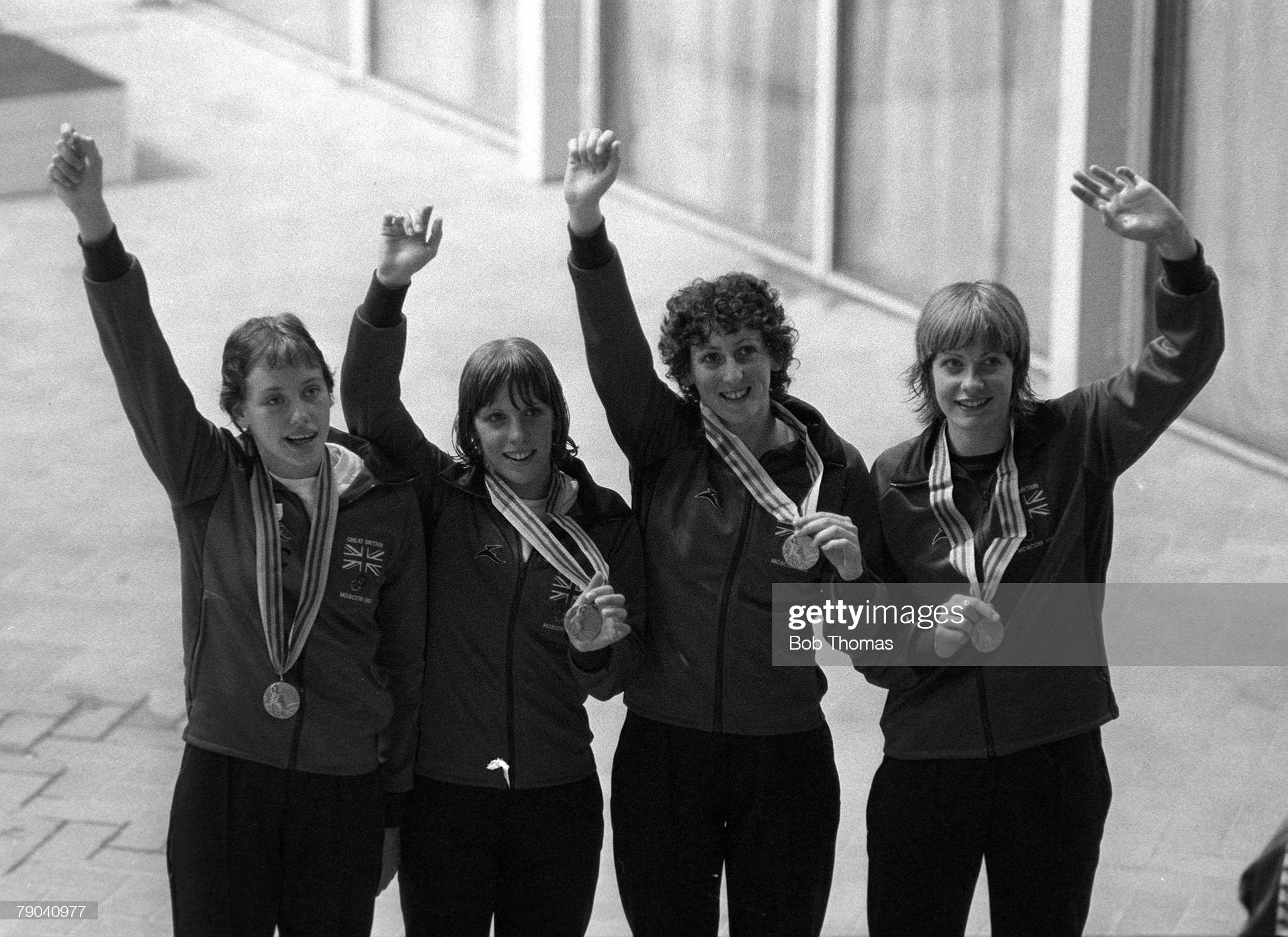 1980 Olympic Games. Moscow, Russia. 20th July 1980. Women's Swimming. 4 x 100 Metre Medley relay. The British team L-R: June Croft, Ann Osgerby, Margaret Kelly and Helen Jameson celebrate with their silver medals. : Fotografía de noticias
