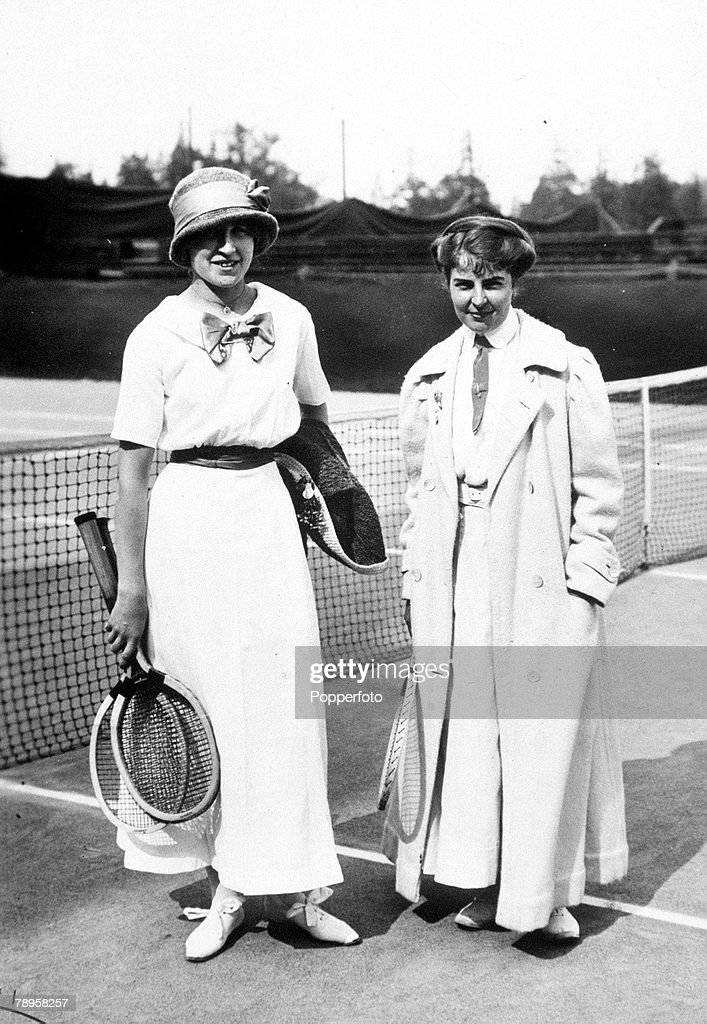 1912 Olympic Games. Stockholm, Sweden. Tennis. France's M. Broquedis (left) with Sweden's S. Fick. : News Photo