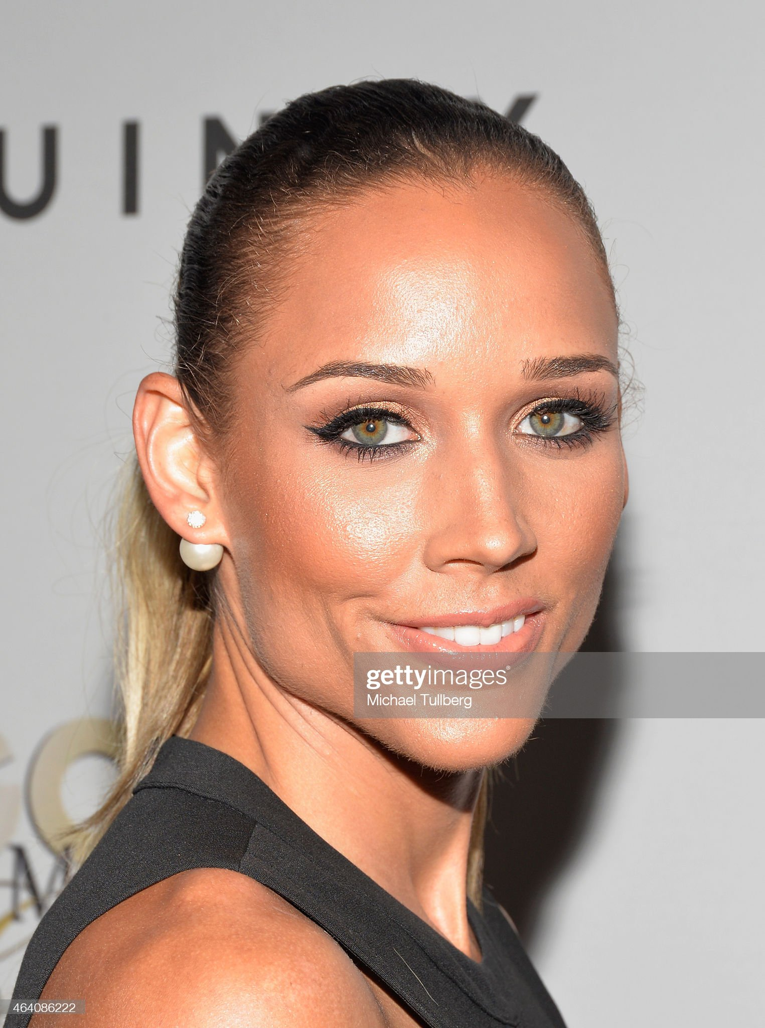 Ojos verdes - Famosas y famosos con los ojos de color VERDE Olympic-hurdler-lolo-jones-attends-the-3rd-annual-gold-meets-golden-picture-id464086222?s=2048x2048