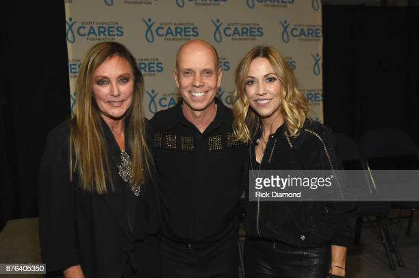 Olympic Iceskaters Peggy Fleming Scott Hamilton and singersongwriter Sheryl Crow attend the second annual An Evening Of Scott Hamilton Friends hosted...