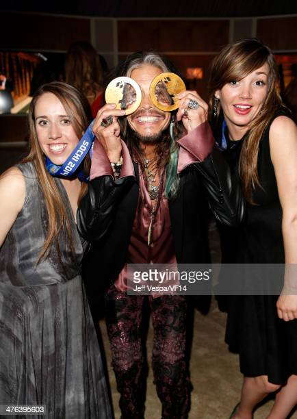 Olympic skier Maddie Bowman musician Steven Tyler and olympic snowboarder Kaitlyn Farrington attend the 2014 Vanity Fair Oscar Party Hosted By...