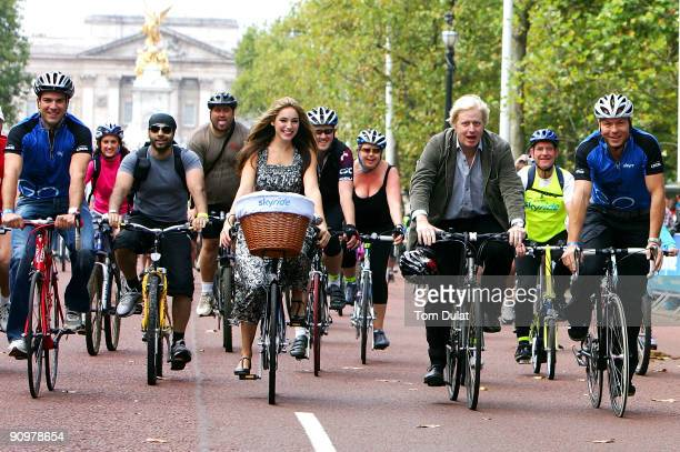 Olympic triple Gold medallist Sir Chris Hoy joins Mayor of London Boris Johnson actress model Kelly Brook Skyride ambassador TV personality Gethin...