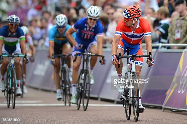 Men Road Race Arrival Sprint / Alexander KRISTOFF / Taylor PHINNEY / Sergey LAGUTIN / Stuart O'GRADY / Jurgen ROELANDTS / Deception Teleurstelling /...