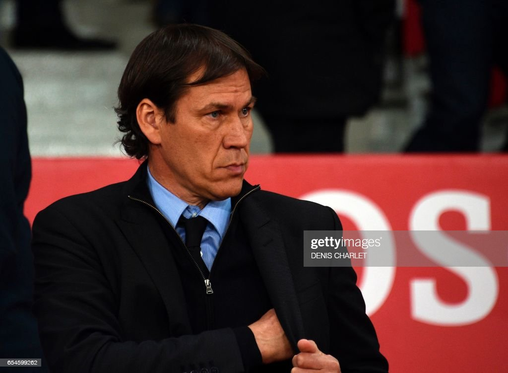 Olympique de Marseille's French head coach Rudi Garcia looks on during the French L1 football match between Lille OSC (LOSC) and Marseille on March 17, 2017 at the Pierre-Mauroy Stadium in Villeneuve d'Ascq, near Lille, northern France. /
