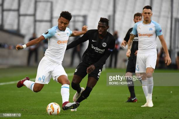 Olympique de Marseille's French midfielder Boubacar Kamara competes for the ball with Frankfurt's German defender Danny da Costa during the Europa...