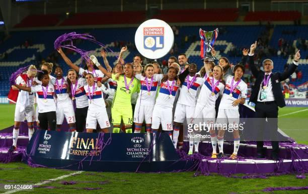 Olympique Lyonnais Feminies Team celebrate during the UEFA Women's Champions League Final match between Olympique Lyonnais Feminies and Paris...