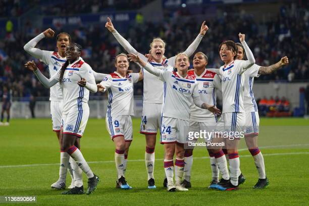 Olympique Lyonnais players celebrate the 5th goal of this evening scored by Shanice Van De Sanden of Olympique Lyonnais during the Women's Division 1...