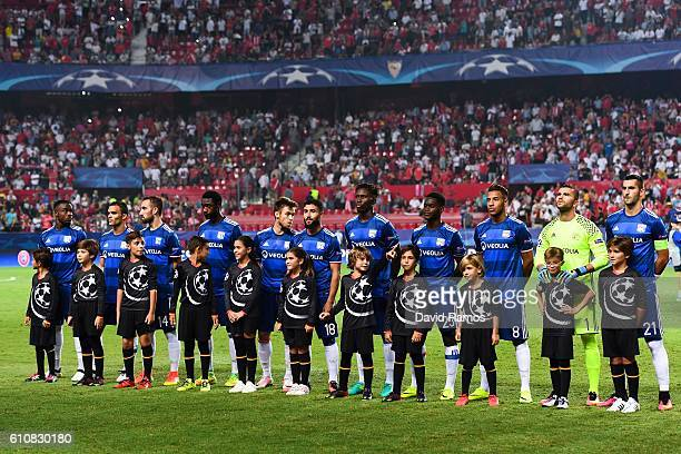 Olympique Lyonnais players look on prior to the UEFA Champions League Group H match between Sevilla FC and Olympique Lyonnais at the Ramon...