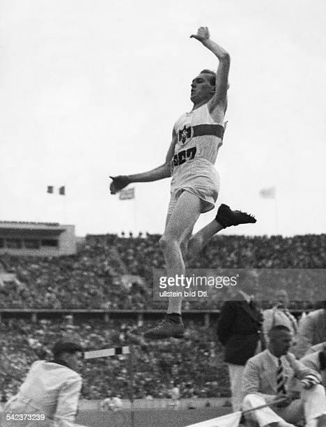 Olympische Spiele 1936 in Berlin Carl Ludwig 'Luz' Long D beim Weitsprung August 1936Aufnahme Lothar Ruebelterschienen in Berliner IllutrirteZeitung...