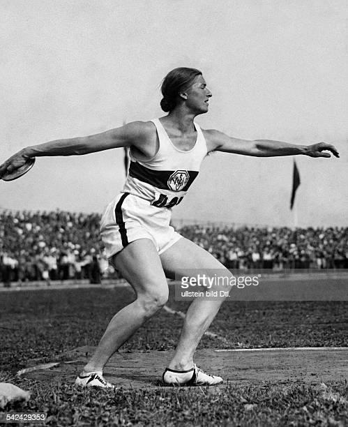 Olympische Spiele 1936 in Berlin Diskuswerfen Giesela Mauermayer errang die 4Goldmedaille fuer Deutschland August 1936