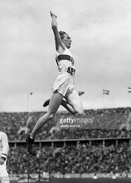 Olympische Spiele 1936 in Berlin Weitsprung Carl Ludwig 'Luz' Long D im Sprung August 1936