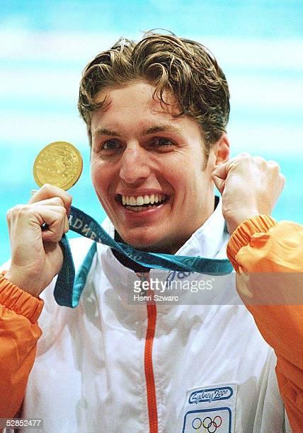 Olympische Spiele Sydney 2000, Sydney; MAENNER/100m FREISTIL; GOLD fuer Pieter VAN DEN HOOGENBAND/HOL
