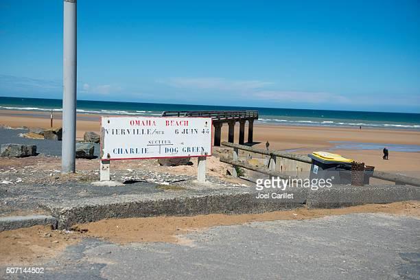 omaha plage en normandie, france - omaha beach photos et images de collection