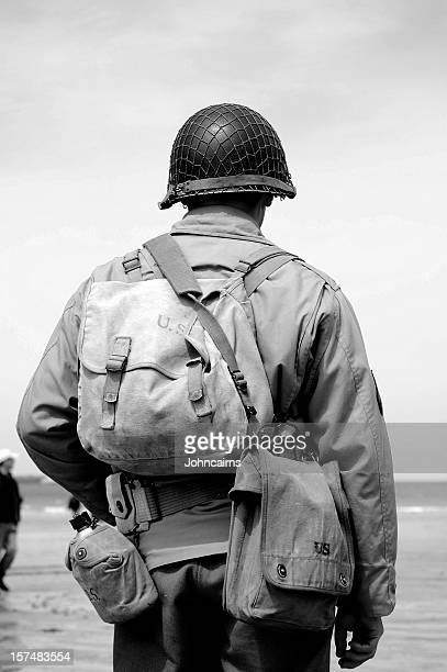 omaha beach soldier. - d day stock pictures, royalty-free photos & images