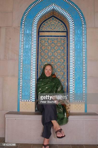 Gaby Dohm Urlaub Neben den Dreharbeiten der ZDFReihe Traumschiff Folge 49 Oman Muscat/Oman/Arabien Grosse Moschee von Sultan Qaboos Schauspielerin...