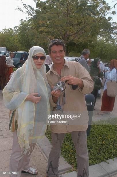Johanna von Koczian Pascal Breuer Dreharbeiten der ZDFReihe 'Traumschiff' Folge 49 'Oman' Muscat/Oman/Arabien Grosse Moschee von Sultan Qaboos...