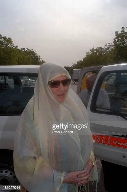 Johanna von Koczian Touristen Statisten Dreharbeiten der ZDFReihe Traumschiff Folge 49 Oman Muscat/Oman/Arabien Grosse Moschee von Sultan Qaboos...