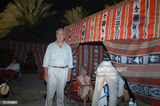 Wolfgang Rademann Dreharbeiten der ZDFReihe Traumschiff Folge 49 Oman Muscat/Oman/Arabien Hotel Al Bustan Palace Intercontinental Zelt Wüste Sand...