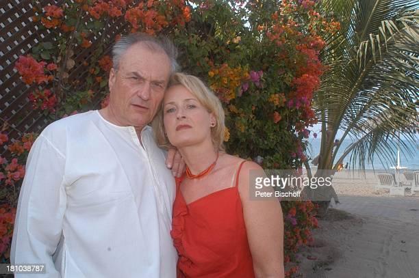 Dietrich Mattausch Ehefrau Annette Urlaub Muscat/Oman/Arabien Hotel 'Al Bustan Palace Intercontinental' Schauspieler Schauspielerin Golf von Oman...