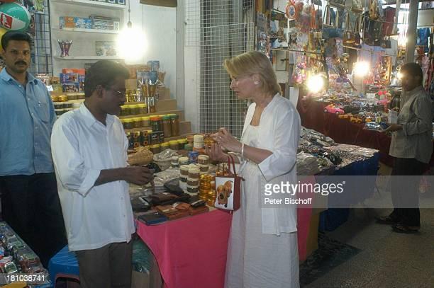Dietrich Mattausch Ehefrau Annette Urlaub Muscat/Oman/Arabien Stadtteil Mutrah Basar Suk Omani Schauspielerin Schauspieler Händler Verkäufer Golf von...