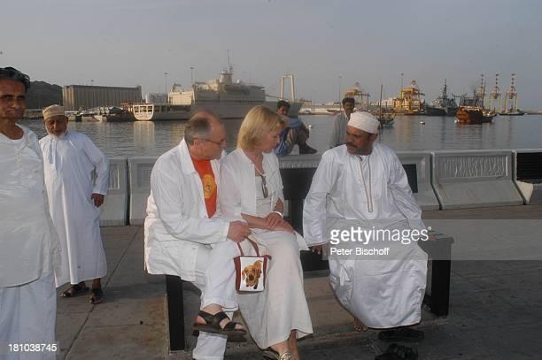 Dietrich Mattausch Ehefrau Annette Urlaub Muscat/Oman/Arabien Stadtteil Mutrah Basar Suk Omani Schauspielerin Schauspieler Hafen Golf von Oman...