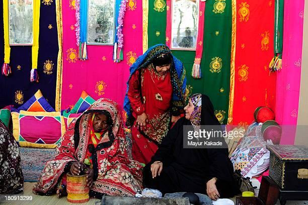 CONTENT] Omani women in the souq
