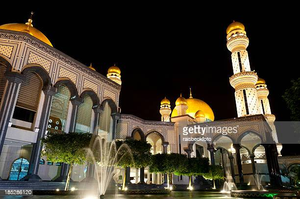 omar ali saifuddien mosque in brunei - brunei stock pictures, royalty-free photos & images