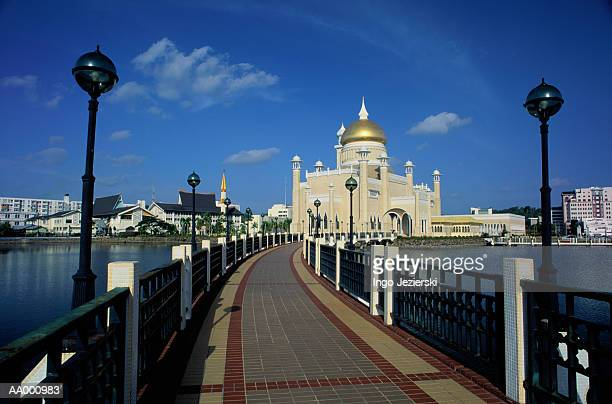 omar ali saifuddin mosque in brunei - bandar seri begawan stock photos and pictures