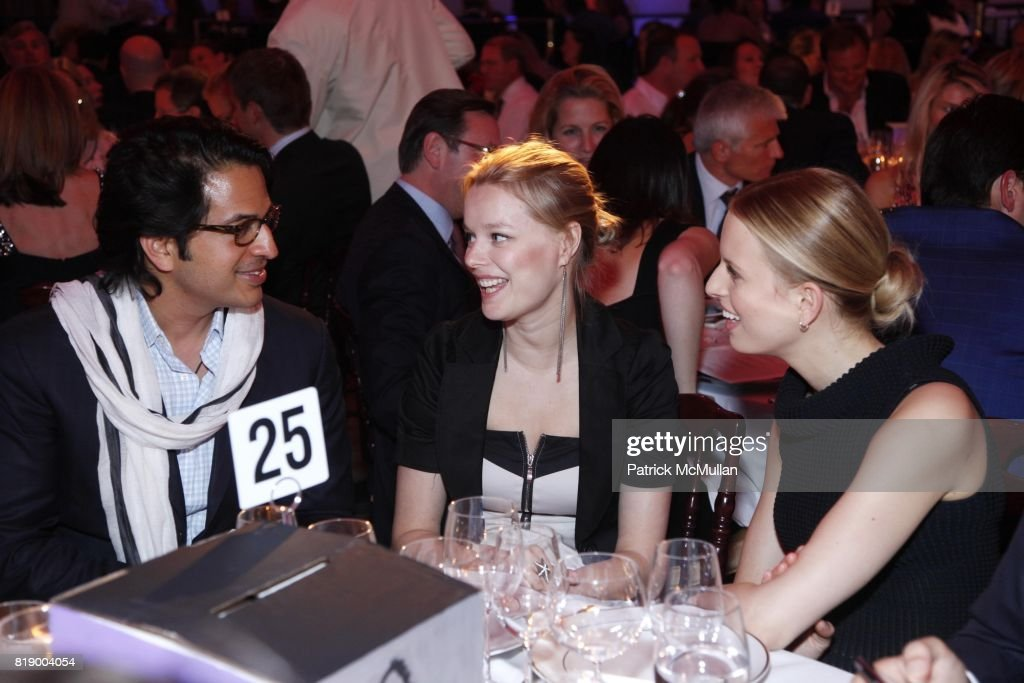 Omar Amanat, Helena Houdova and Karolina Kurkova attend 10th Annual DREAMYARD Benefit at 583 Park Avenue on May 4, 2010 in New York.