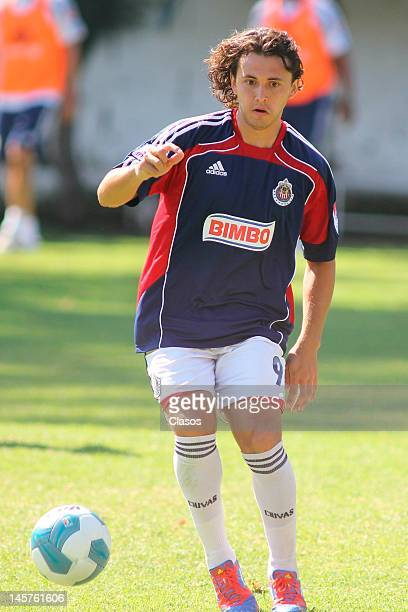 Omar Arellano of Chivas warms up during a training session at Club Verde Valle on June 04, 2012 in Zapopan, Mexico.