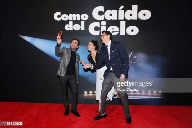 "Omar Chaparro, Ana Claudia Talancon and film director Jose Pepe Bojorquez attend the red carpet of Netflix film ""Como Caido del Cielo"" at Cinemex..."