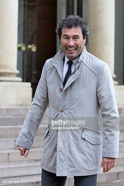 Omar da Fonseca former Argentine Football Player arrives at the Elysee Palace to join French President Francois Hollande on May 31 2016 in Paris...