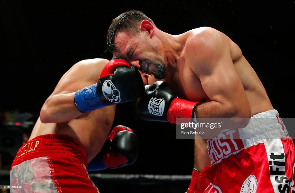 Omar Figueroa v Robert Guerrero : News Photo