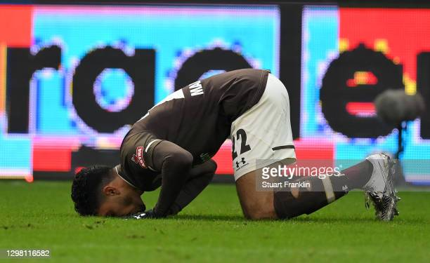 Omar Marmoush of FC St. Pauli celebrates after scoring their sides second goal during the Second Bundesliga match between FC St. Pauli and SSV Jahn...