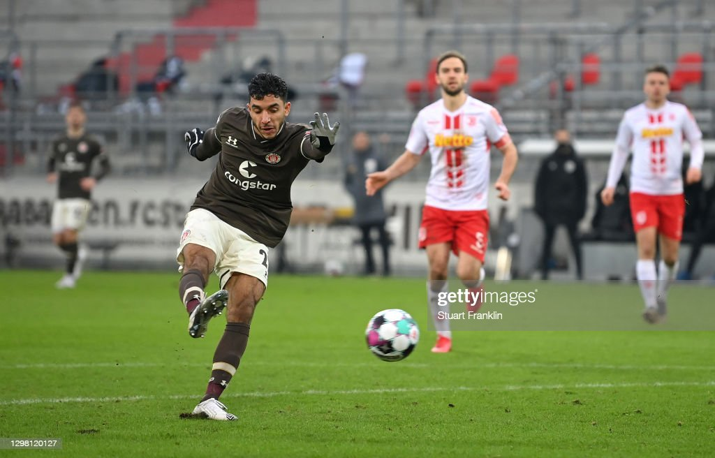 FC St. Pauli v SSV Jahn Regensburg - Second Bundesliga : ニュース写真