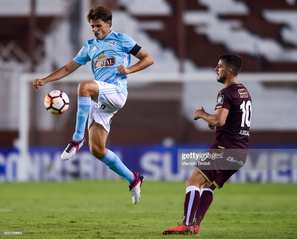 Omar Merlo of Sporting Cristal kicks the ball during a first leg match between Lanus and Sporting Cristal as part of first round of Copa CONMEBOL Sudamericana 2018 at Ciudad de Lanus Stadium on February 21, 2018 in Lanus, Argentina.
