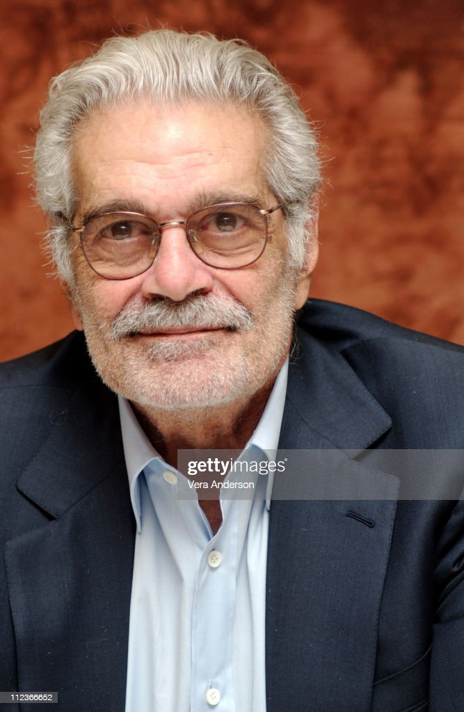 """Monsieur Ibrahim"" Press Conference with Omar Sharif"
