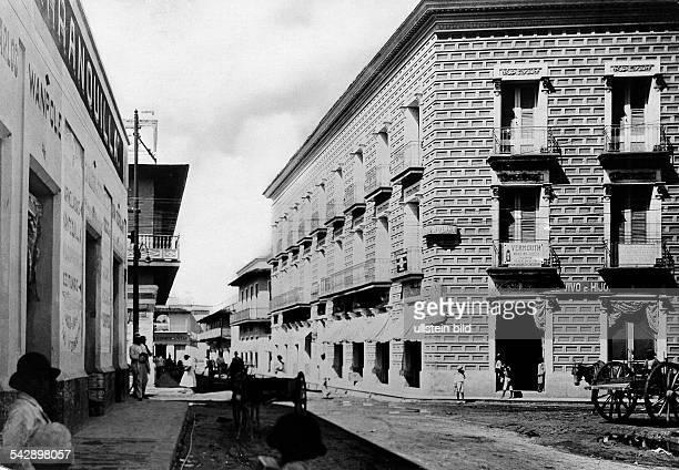Ombia, views of: Barranquilla, dpto Atlantico:Calle San Roque, 1928.