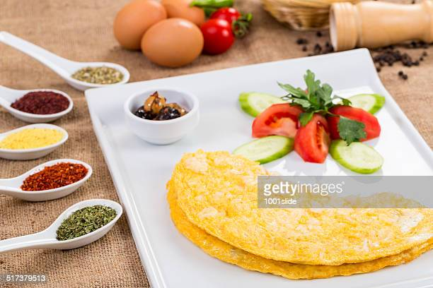 Omelet with white cheese