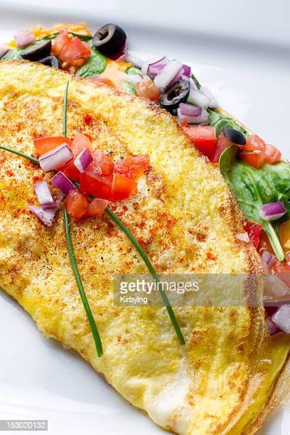 Omelette auf weißen Teller