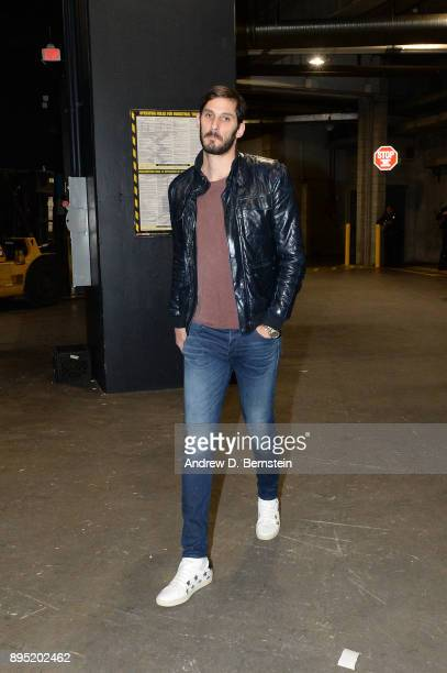 Omri Casspi of the Golden State Warriors arrives before the game against the Los Angeles Lakers on December 18 2017 at STAPLES Center in Los Angeles...